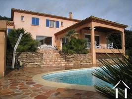 Spacious Provencal villa with pool and stunning views